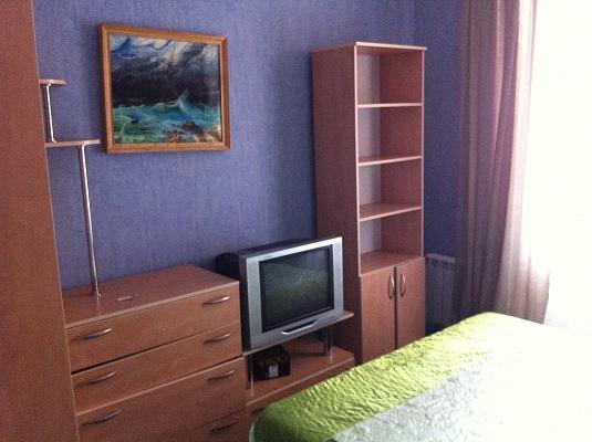 2-комнатная квартира посуточно в Запорожье. Орджоникидзевский район, пр-т Ленина, 192. Фото 1