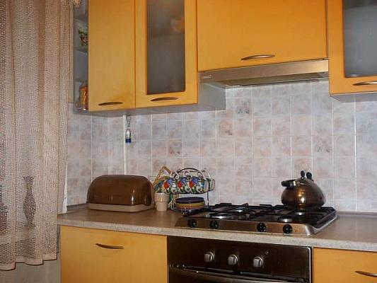 1-комнатная квартира посуточно в Бердянске. ул. Дзержинского,. Фото 1