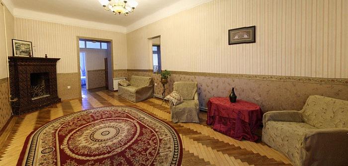 4-комнатная квартира посуточно в Львове. Галицкий район, пр-т Шевченка, 12. Фото 1
