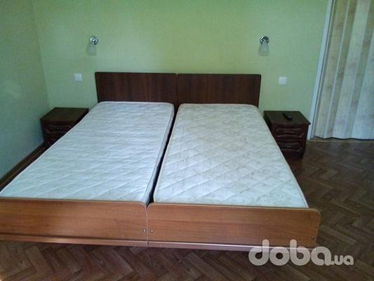 3-комнатная квартира посуточно в Бердянске. ул. Пушкина, 15. Фото 1