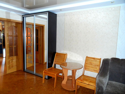 2-комнатная квартира посуточно в Харькове. Московский район, пр-т Московский, 97. Фото 1