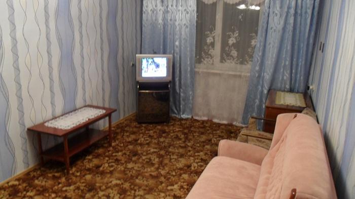 1-комнатная квартира посуточно в Севастополе. Гагаринский район, пр-т Героев Сталинграда, 60. Фото 1