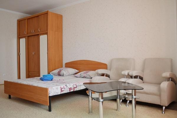 1-комнатная квартира посуточно в Киеве. Днепровский район, б-р Верховного Совета, 14Б. Фото 1