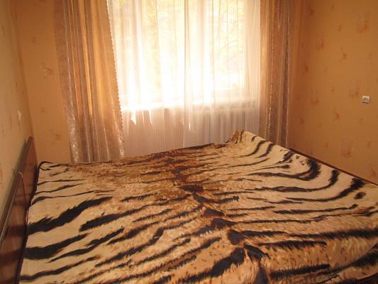 2-комнатная квартира посуточно в Артемовске. ул. Леваневского, 150. Фото 1