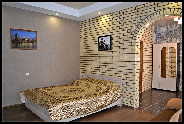1-комнатная квартира посуточно в Нежине. ул. Прилуцкая, 118. Фото 1