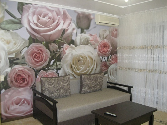 1-комнатная квартира посуточно в Ильичёвске. ул. Данченко, 1. Фото 1