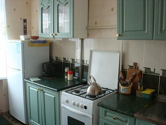 2-комнатная квартира посуточно в Полтаве. Октябрьский район, ул. Грушевского, 17. Фото 1
