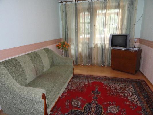 2-комнатная квартира посуточно в Виннице. Ленинский район, пл. Гагарина, 4. Фото 1