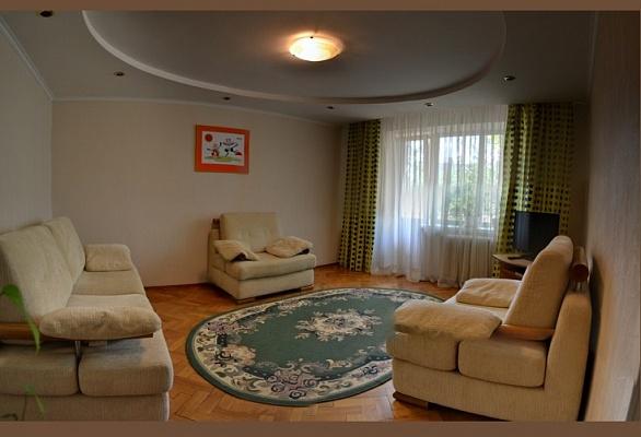 2-комнатная квартира посуточно в Киеве. Печерский район, ул. Шелковичная, 48. Фото 1
