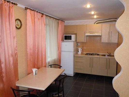 1-комнатная квартира посуточно в Мариуполе. пр-т Ленина, 88. Фото 1
