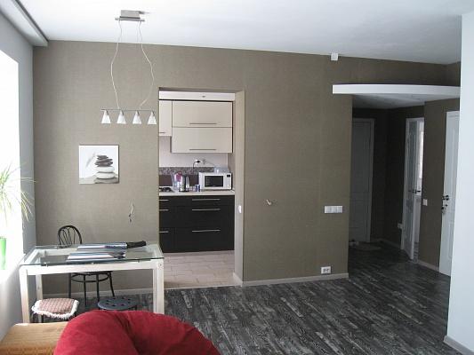 2-комнатная квартира посуточно в Никополе. ул. Менделеева, 30. Фото 1