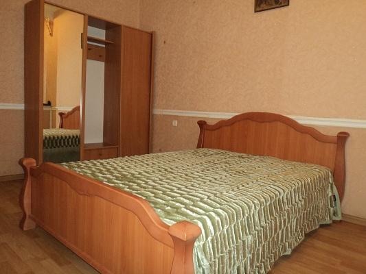 1-комнатная квартира посуточно в Одессе. Суворовский район, Николаевская дорога, 168. Фото 1