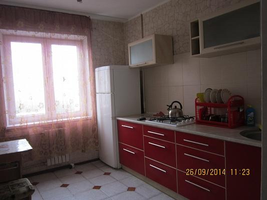 2-комнатная квартира посуточно в Днепродзержинске. пр-т Металлургов, 10. Фото 1