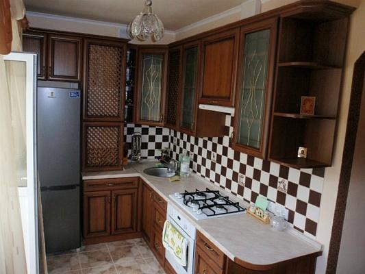 1-комнатная квартира посуточно в Севастополе. Гагаринский район, ул. Юмашева, 27. Фото 1