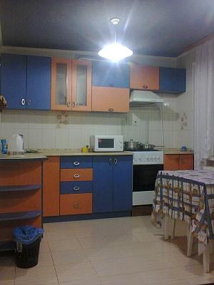 2-комнатная квартира посуточно в Виннице. Ленинский район, ул. Ляли Ратушной, 113. Фото 1