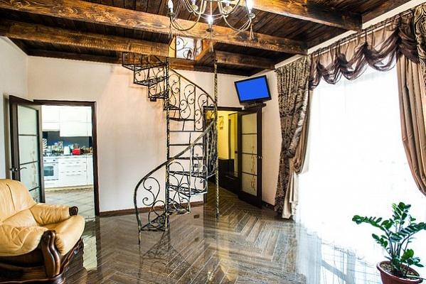 2-комнатная квартира посуточно в Виннице. Старогородский район, ул. 20-го Марта, 32а. Фото 1