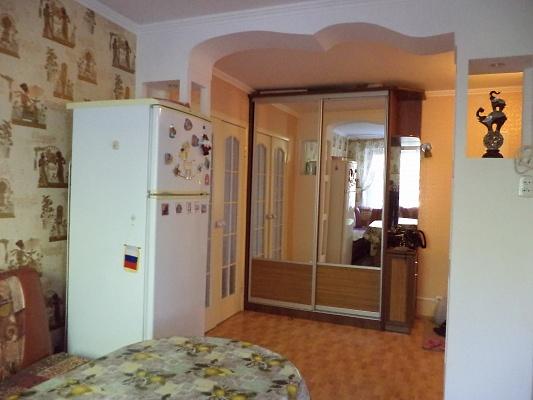 2-комнатная квартира посуточно в Симферополе. Киевский район, ул. Ростовская, 5. Фото 1
