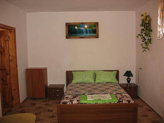 1-комнатная квартира посуточно в Судаке. ул. Ленина , 98. Фото 1