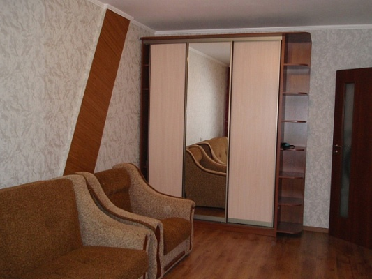 2-комнатная квартира посуточно в Ровно. ул. Киевская , 44. Фото 1