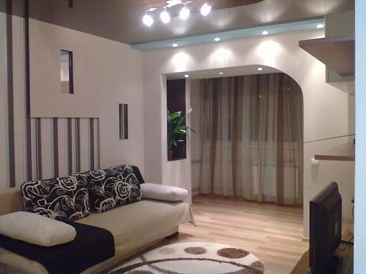 1-комнатная квартира посуточно в Донецке. Ворошиловский район, пр-т Ильича, 11. Фото 1