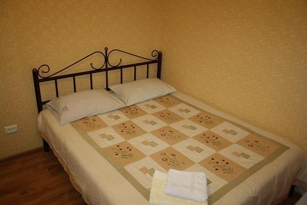 1-комнатная квартира посуточно в Мариуполе. пр-т Ленина, 84. Фото 1
