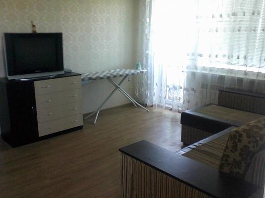 1-комнатная квартира посуточно в Южном. пр-т Григорьевского десанта, 14. Фото 1