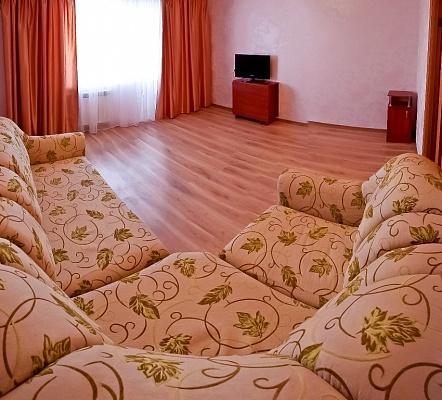 3-комнатная квартира посуточно в Харькове. Киевский район, Академика Проскуры, 5. Фото 1