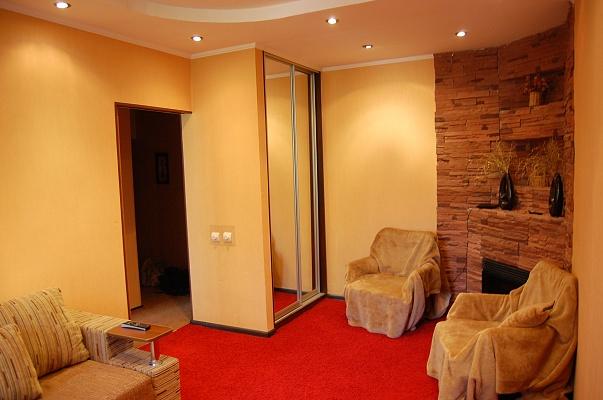 1-комнатная квартира посуточно в Киеве. Святошинский район, ул. Салютная, 22. Фото 1
