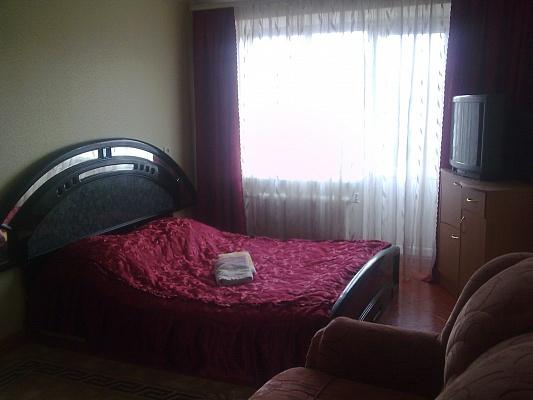 1-комнатная квартира посуточно в Хмельницком. ул. Каменецкая, 50. Фото 1