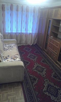 1-комнатная квартира посуточно в Днепродзержинске. ул. Запорожская, 22. Фото 1
