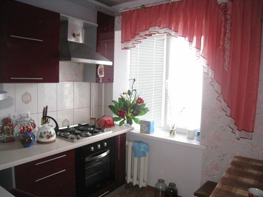 1-комнатная квартира посуточно в Бердянске. ул. Коммунаров, 58. Фото 1