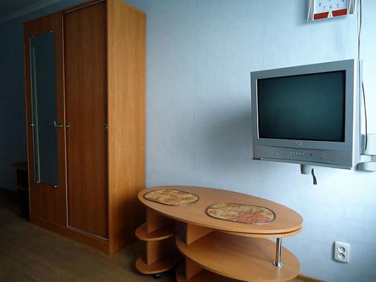 1-комнатная квартира посуточно в Донецке. Ленинский район, ул. Стадионная, 4. Фото 1