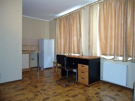 2-комнатная квартира посуточно в Симферополе. Железнодорожный район, ул. Джюбанова, 73. Фото 1
