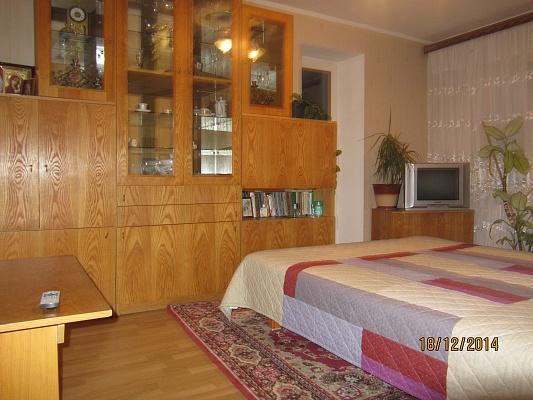 1-комнатная квартира посуточно в Ровно. ул. Лёнокомбинатовская, 1. Фото 1