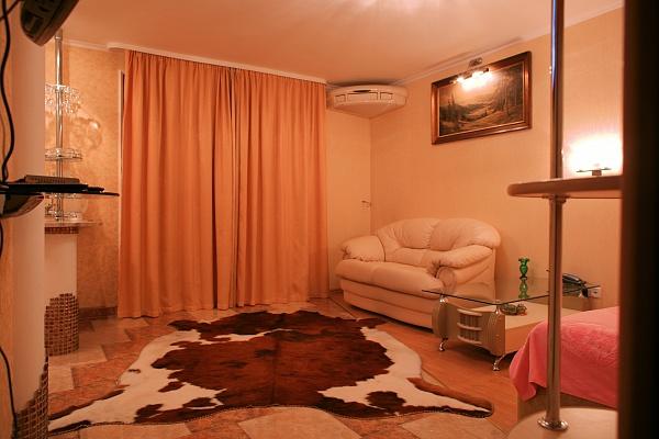 1-комнатная квартира посуточно в Севастополе. Ленинский район, ул. Шмидта, 3. Фото 1