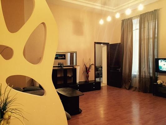 2-комнатная квартира посуточно в Одессе. Приморский район, ул. Пушкинская, 29. Фото 1
