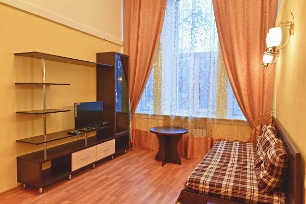 1-комнатная квартира посуточно в Харькове. Киевский район, ул.Фрунзе , 5. Фото 1