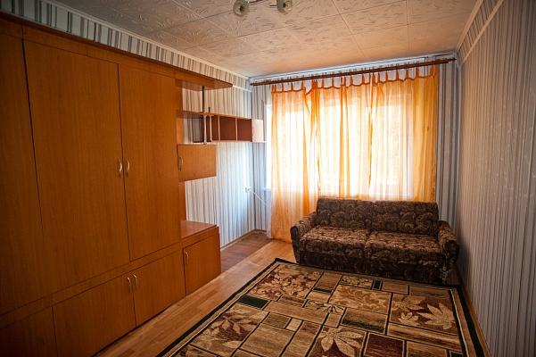 2-комнатная квартира посуточно в Мариуполе. пр-т Ленина, 67. Фото 1