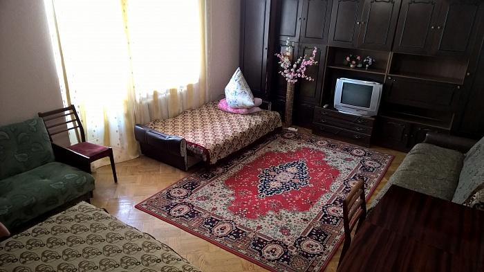 2-комнатная квартира посуточно в Виннице. Ленинский район, Ляли Ратушная, 79. Фото 1
