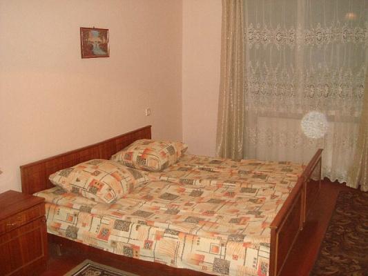 3-комнатная квартира посуточно в Мукачево. ул. Индустриальная. Фото 1