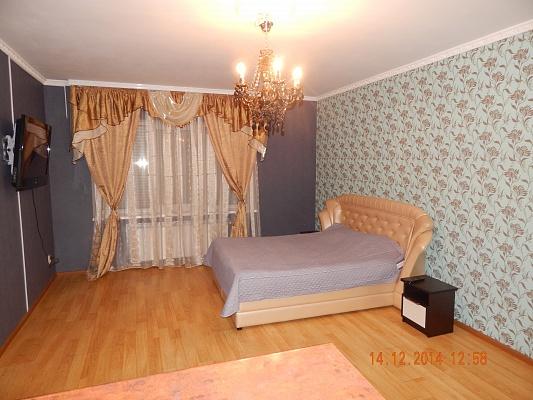 1-комнатная квартира посуточно в Хмельницком. ул. Панаса Мирного, 35/2. Фото 1