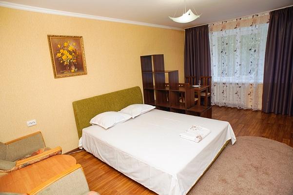1-комнатная квартира посуточно в Черкассах. ул. Вернигоры, 22. Фото 1