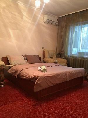 3-комнатная квартира посуточно в Киеве. Соломенский район, ул. Академика Стражеско, 3. Фото 1