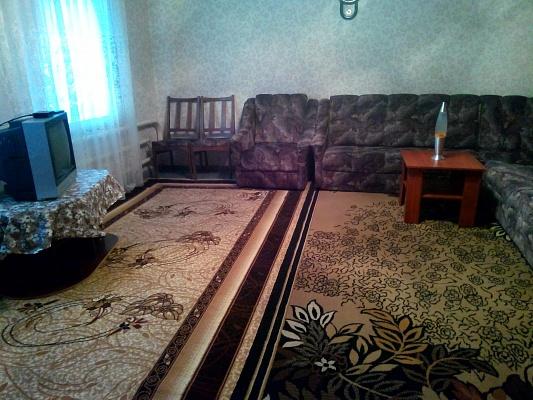 2-комнатная квартира посуточно в Прилуках. ул. Гнедаша, 10/1. Фото 1
