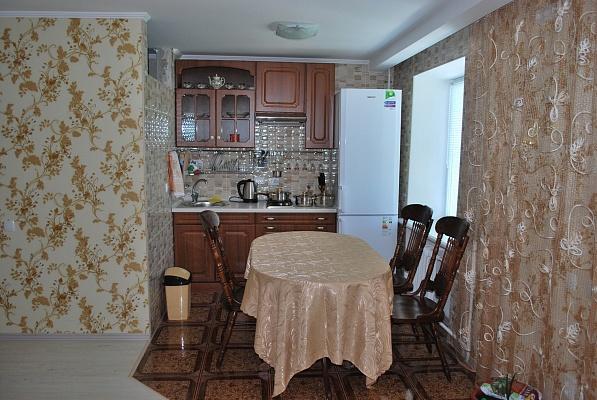 1-комнатная квартира посуточно в Бердянске. пр-т Труда, 37. Фото 1