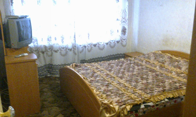 2-комнатная квартира посуточно в Краматорске. ул. Нади Курченко, 37. Фото 1