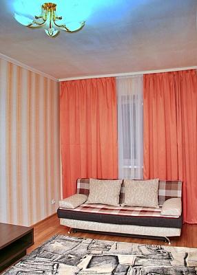 2-комнатная квартира посуточно в Днепропетровске. Кировский район, ул. Фрунзе, 15. Фото 1