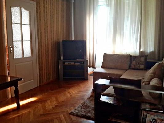3-комнатная квартира посуточно в Киеве. Печерский район, ул. Бассейная, 10. Фото 1