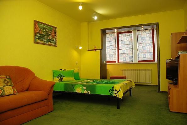 1-комнатная квартира посуточно в Киеве. Дарницкий район, ул. Ревуцкого, 42б. Фото 1