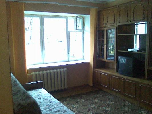 1-комнатная квартира посуточно в Киеве. Голосеевский район, ул. Дубинина, 14. Фото 1